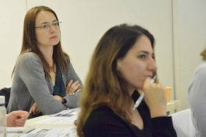 Istrazivanjem-i-analizom-edukacija-plavi-ured