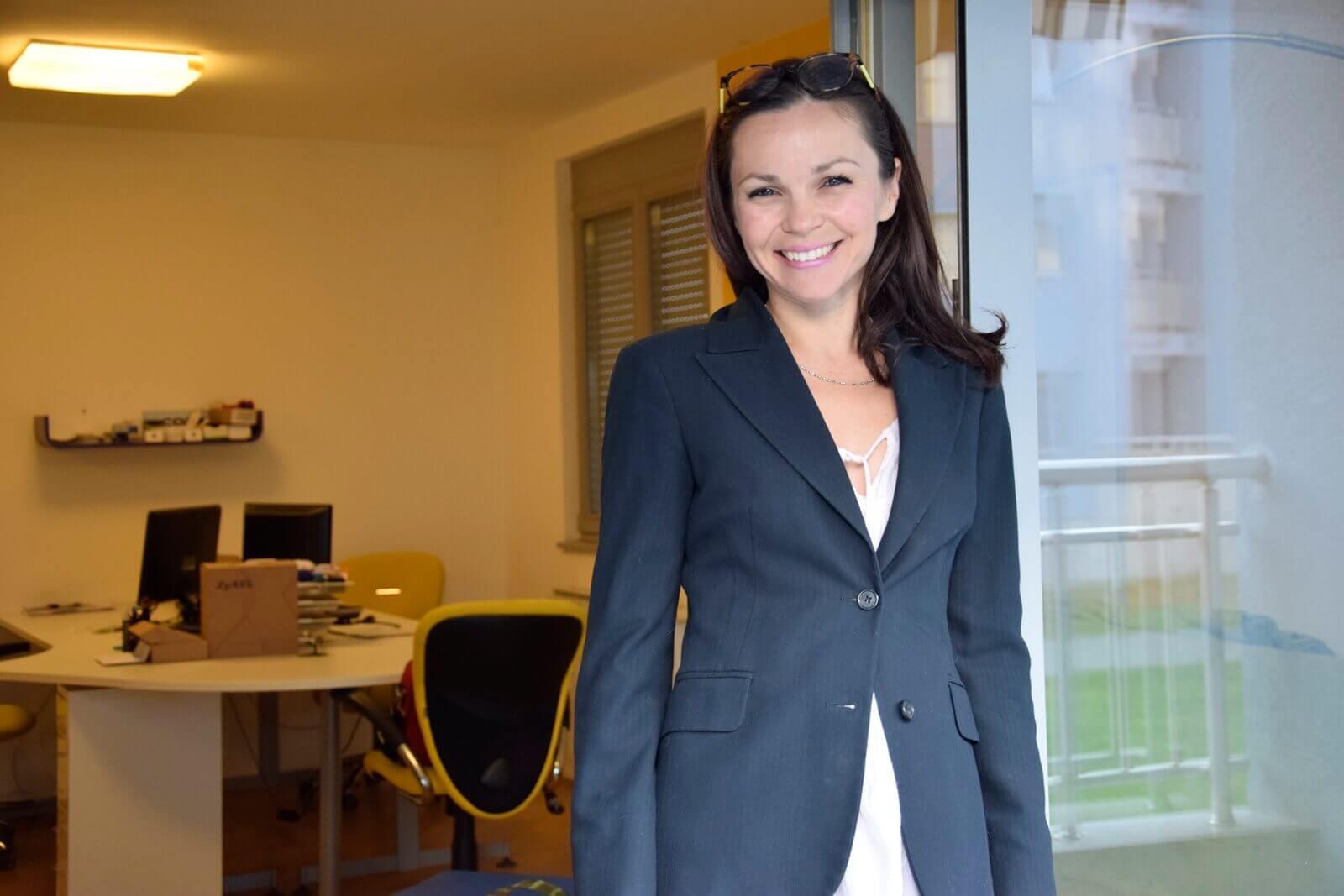 Primeiro - Adriana Dia Bonacci - plavi ured