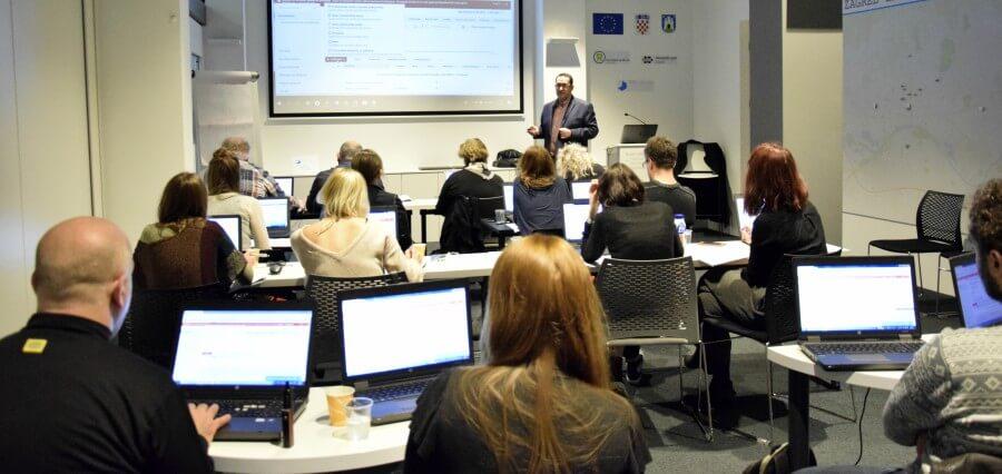 E-poslovanje - zakonska regulativa - plavi ured