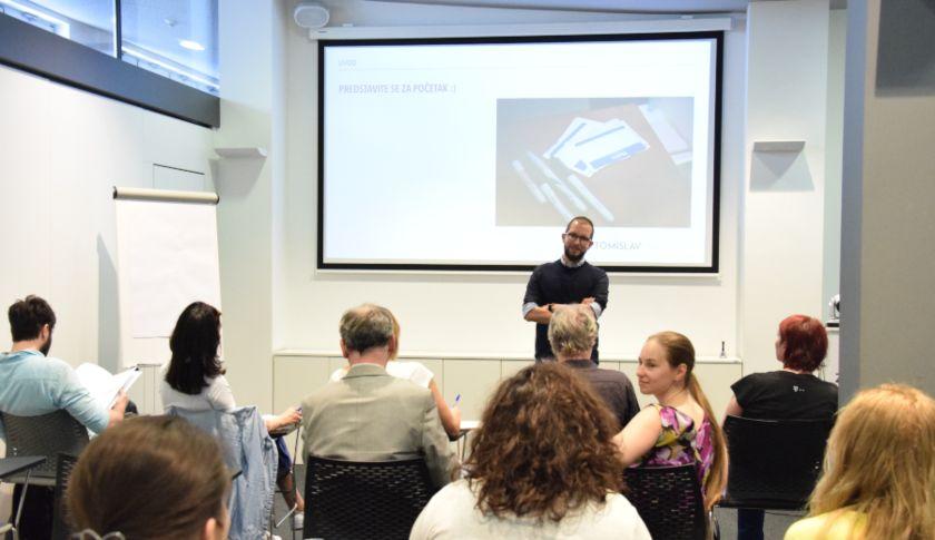 kreirati digitalnu kampanju plavi ured